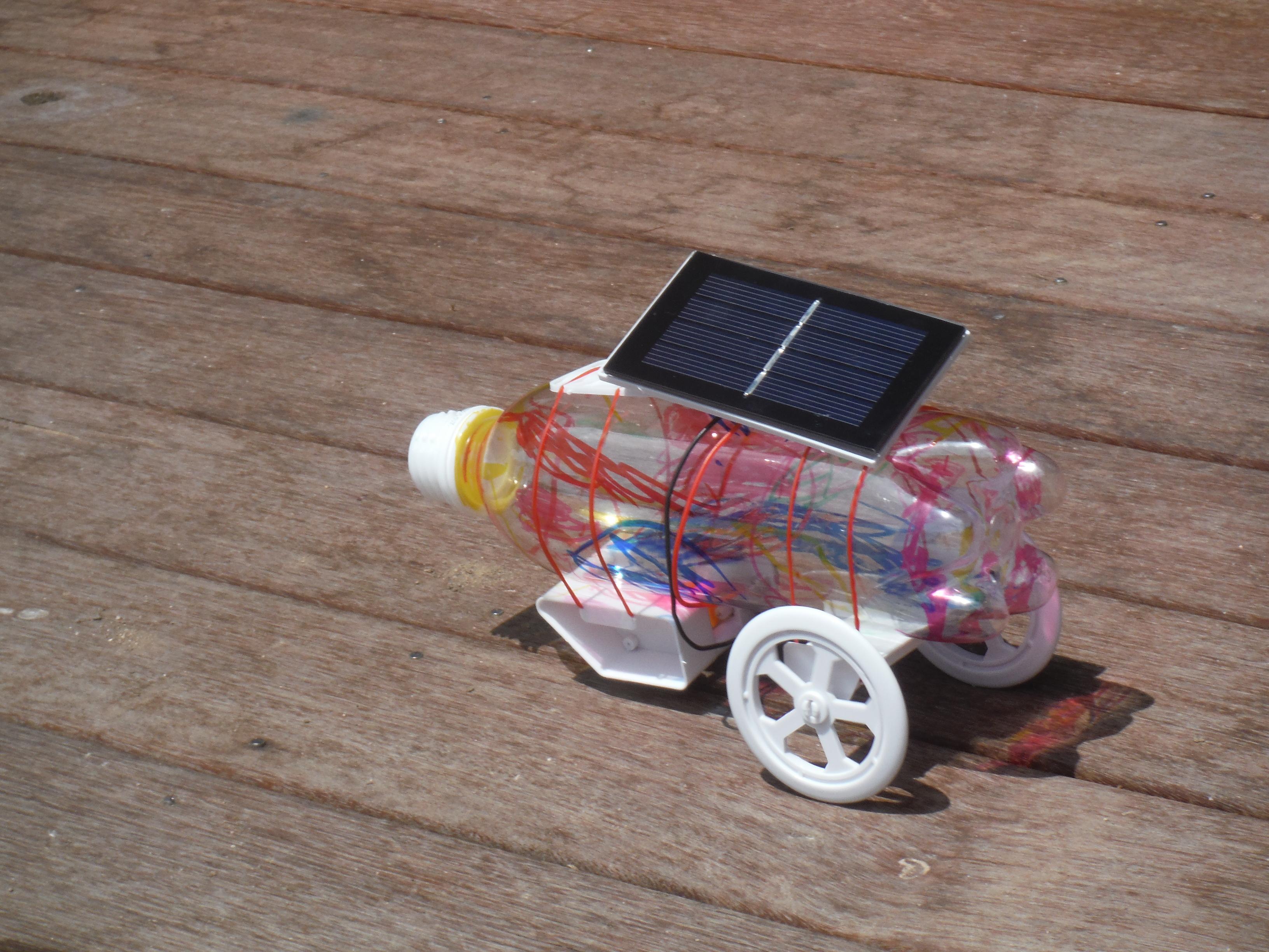 太陽のパワーを使った工作教室 ~ソーラーカーづくり~